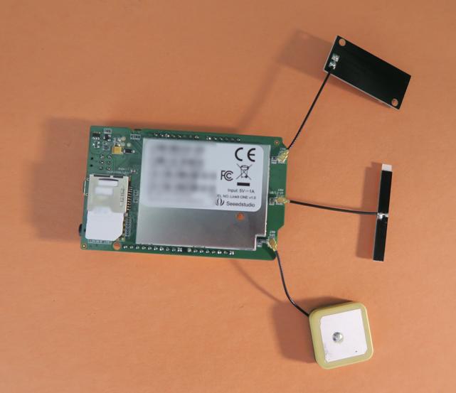 SIM Card Insertion LinkIt