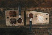Imagem ilustrativa com diferentes preparos de café